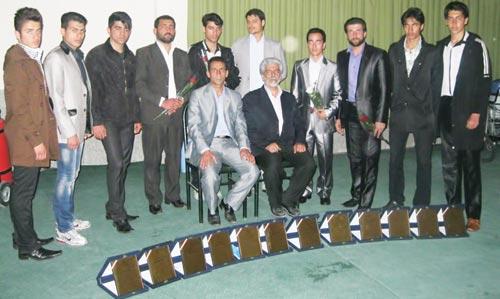 تکواندوکاران لنجانی قهرمان جهان در مراسم تجلیل از قهرمانان 1390