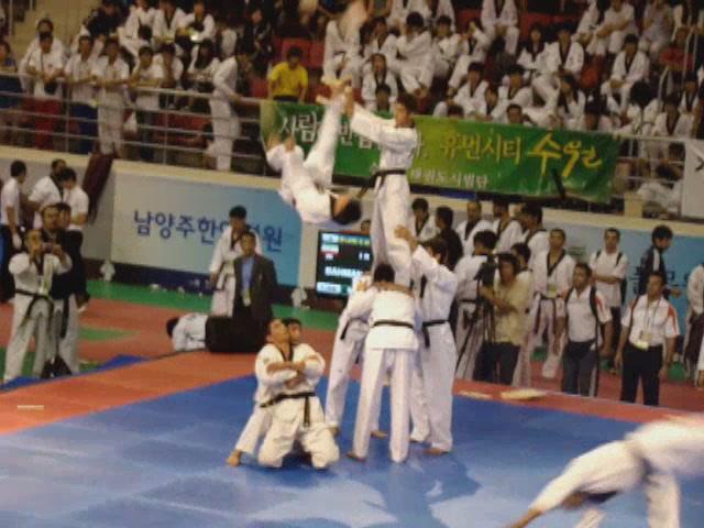 دانلود کليپ اجرای تیم ملی در مسابقات جهانی تکواندو هان مادانگ