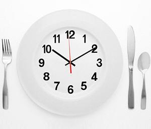 چه غذایی را چه ساعتی بخورید؟