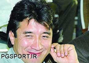 بازیکن سابق تیم ملی،خداد عزیزی فوتبال بازی کردن عادل فردوسی پور را به نقد کشید.